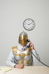 Businessman wearing gladiator armorの写真素材 [FYI01996030]