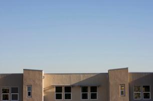 Roofline of Contemporary Buildingの写真素材 [FYI01996425]