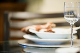 Place setting at tableの写真素材 [FYI01996819]