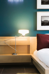 Contemporary Bedroom with Blue Wallsの写真素材 [FYI01997206]