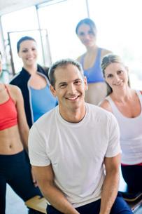 Portrait of smiling people in sportswearの写真素材 [FYI01997402]
