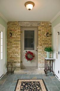 Hallway and doorの写真素材 [FYI01997544]