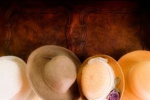 Straw hatsの写真素材 [FYI01997589]