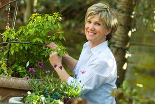 Woman gardeningの写真素材 [FYI01997833]