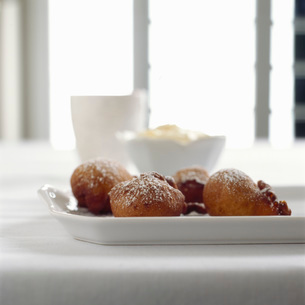 Fried dough on plateの写真素材 [FYI01998378]