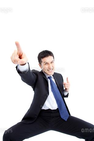 気合を入れるビジネスマンの写真素材 [FYI02005750]