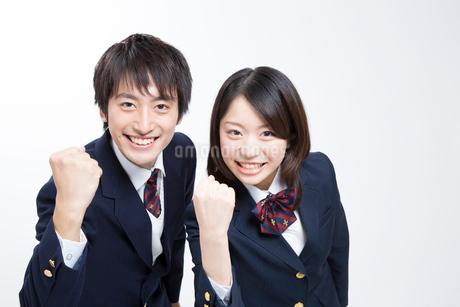 ガッツポーズをする高校生の写真素材 [FYI02006094]