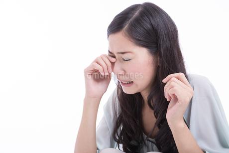 泣く女性の写真素材 [FYI02006446]