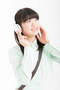 笑顔の女の子の写真素材 [FYI02007247]