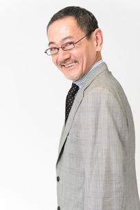 笑顔のビジネスマンの写真素材 [FYI02007853]