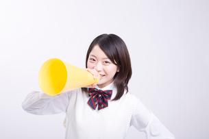 笑顔の女子高校生の写真素材 [FYI02007913]