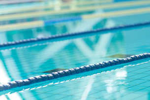 プールの写真素材 [FYI02007998]