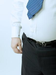 太った腹の男性の写真素材 [FYI02009420]