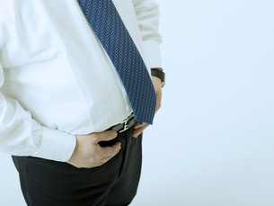 太った腹の男性の写真素材 [FYI02009606]