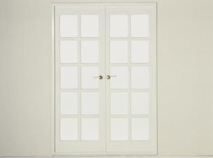 白い窓の写真素材 [FYI02012346]