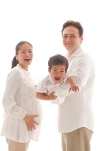 親子3人の写真素材 [FYI02014028]