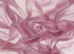 ピンクの布のしわの写真素材 [FYI02015331]