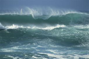波の写真素材 [FYI02015608]