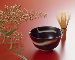 茶碗と茶筅の写真素材 [FYI02015780]