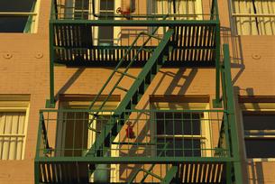 階段と建物の写真素材 [FYI02015887]