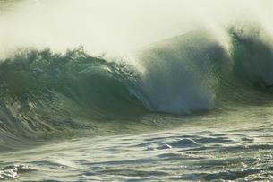 波の写真素材 [FYI02016170]