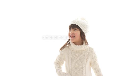 セーターを着ている女の子の写真素材 [FYI02017291]