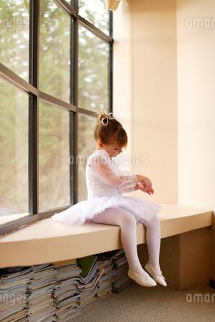 レオタード姿の白人の女の子の写真素材 [FYI02017553]