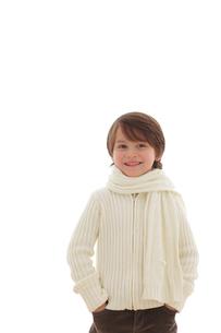 冬の装いの男の子の写真素材 [FYI02018031]