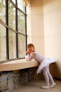 レオタード姿の白人の女の子の写真素材 [FYI02018754]