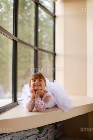 レオタード姿の白人の女の子の写真素材 [FYI02019369]