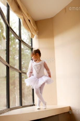 レオタード姿の白人の女の子の写真素材 [FYI02020139]