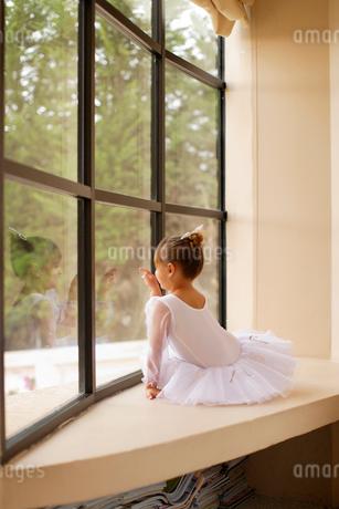 レオタード姿の白人の女の子の写真素材 [FYI02020525]