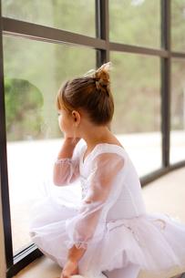 レオタード姿の白人の女の子の写真素材 [FYI02020741]