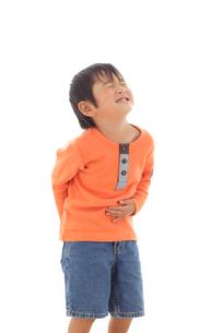 体調不良の男の子の写真素材 [FYI02021418]