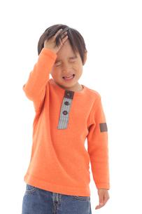 体調不良の男の子の写真素材 [FYI02022346]