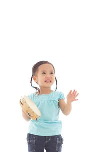 楽器を演奏する女の子の写真素材 [FYI02022861]