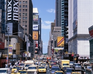 タイムズスクエアの雑踏の写真素材 [FYI02023585]