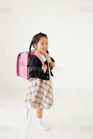 女の子の新入学児のイメージの写真素材 [FYI02024387]