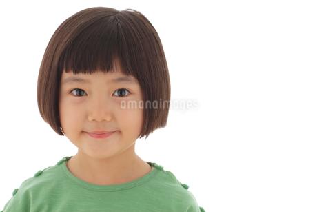おかっぱの女の子の写真素材 [FYI02025110]