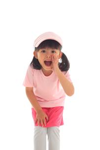 スポーツウェアを着た小さな女の子の写真素材 [FYI02025292]