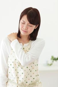 体調不良の女性の写真素材 [FYI02026529]