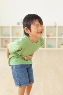 体調不良の男の子の写真素材 [FYI02027840]