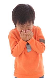 体調不良の男の子の写真素材 [FYI02027946]