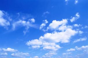 青空と雲の写真素材 [FYI02029462]