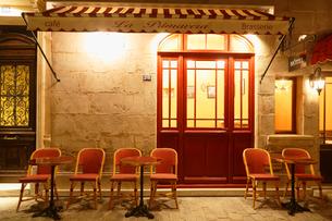フランスイメージの素敵なカフェの写真素材 [FYI02030089]