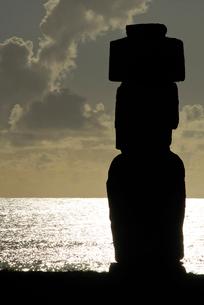 イースター島 モアイ像の写真素材 [FYI02030869]
