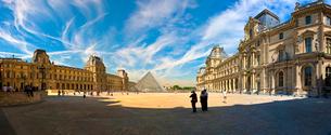 パリのルーブル美術館の写真素材 [FYI02034957]
