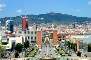 バルセロナの大通りの写真素材 [FYI02035296]