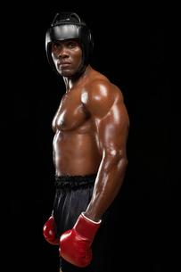 若い黒人ボクサーの写真素材 [FYI02035554]