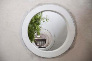 連続する丸い窓の写真素材 [FYI02036939]